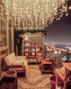 hangulatos fénydekoráció balkon, erkély, jégcsapfüggöny, dekor égősor